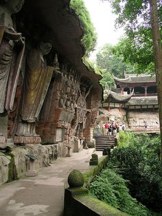 visitheworld: Dazu Rock Carvings, a Unesco World Heritage Site near Chongqing, China (by Vincent H P Liu).