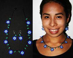 Huichol-Halskette und Ohrringe Set Huichol von BiuluArtisanBoutique