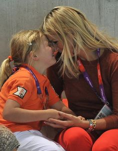 Princess Maxima and their daughters watch the Olympics 2012