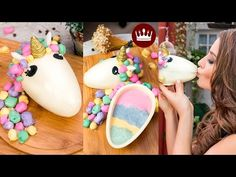 This cake trending all over the internet made by Adi Klinghofer from Israel is such a pretty design and its so easy I couldn't stop myself from r. Cookie Desserts, Dessert Recipes, Chocolates, Sweet Factory, Easter Chocolate, Easter Eggs, Deserts, Goodies, Sweets