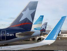 LAN ARGENTINA Boeing 737-81D @ BRC