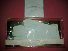 VICTORIA'S SECRET SPA   Come check these moisturizing gloves out!