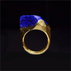 Haidea Gallery - Ring with lapis lazuli and yellow gold Contemporary Jewellery, Modern Jewelry, Jewelry Art, Jewelry Rings, Jewelry Accessories, Fine Jewelry, Unique Jewelry, Handmade Jewellery, Luxury Jewelry