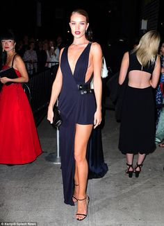 Rosie Huntington-Whiteley in Atelier Versace - 2015 Met Gala After-Party in New York City. (4 May 2015)