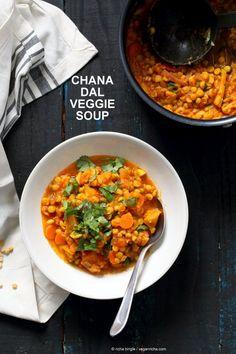 Easy Split Pea Dhal with turmeric, spices, carrots, cauliflower, butternut squash. 1 Pot ready in 45 minutes. Use split chickpeas (Chana Dal) or other split peas or lentils. Vegan Soups, Vegan Vegetarian, Vegetarian Recipes, Healthy Recipes, Vegan Food, Curry, Veggie Soup, Indian Dishes, Split Peas