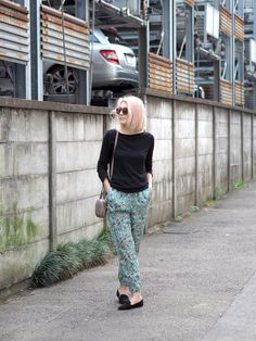 Floral silk pants | OOTD, floral silk pants, Zadig & Voltaire | Photo: Pupulandia