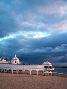 La Caleta, playa emblemática. Cadiz, barrio de la Viña. La Caleta, the most famous beach in Cádiz, placed in the hearth of La Viña neibourhood