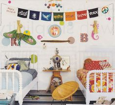Love this shared boys-girls space with lots of great color and stuff!  Notice the bunting -not in English but easy enough to do (even by cutting out great patters from favorite t-shirts). Think Kermit, Butterflies, fun camp-shirt prints.