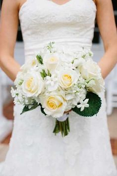 gorgeous, cream colored roses | Graham Terhune Photography on The Lovely Find