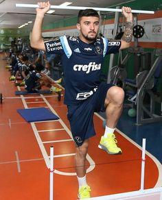 BotafogoDePrimeira: Victor Luís chega ao Botafogo para exames médicos....