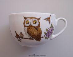 Porcelaines - Tasse jumbo pour enfant ornée de chouettes et de hiboux.