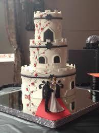 Résultat de la recherche du mariage original - Cake and Wedding Ideas - Gateau Pretty Wedding Cakes, Elegant Wedding Cakes, Gorgeous Cakes, Amazing Cakes, Cake By The Pound, Silhouette Wedding Cake, Wedding Cake Alternatives, Fondant Wedding Cakes, Just Cakes