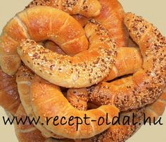 Bread Rolls, Bagel, Baking, Hungary, Desserts, Food, Basket, Tailgate Desserts, Deserts