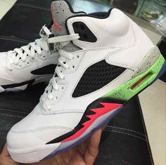 "Air Jordan 5 Retro ""Space Jam"" (Preview Pictures)"