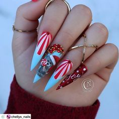 """💋 Perfect Nails 🌎 on Instagram: """"Beautiful! ❤️❤️🎄❤️❤️ Nail Artist: @chellys_nails ✔️🌟🌟🌟 💝 Tap photo to see artist page link. Follow her for more gorgeous nail art designs!…"""" Holiday Nail Designs, Winter Nail Designs, Cute Nail Designs, Acrylic Nail Designs, Cute Christmas Nails, Holiday Nails, Christmas Christmas, Beautiful Nail Art, Gorgeous Nails"""