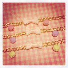 Pulsera Macaron - Bracelet Macaron Sweet  Merengue Sweet #merenguesweet #dulce #polymerclay #fimo #miniature #miniatura  www.merenguesweet.com