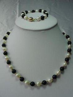 "exquisite 18''/7.5"" white pearl /black agate set"