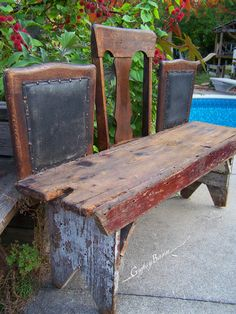 What an ingenious use of broken chairs and an old bench! Whether you place it in your garden or your mudroom, this recycled bench is guaranteed to elicit smiles and kudos. It makes me want to sit and wiggle with glee.
