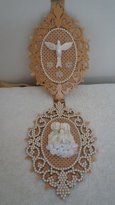 Decoupage, Mandala, Sacramento, Frame, Home Decor, Angel Crafts, Handmade Crafts, Diy And Crafts, Crochet Decoration