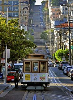 One of the things you need to consider if you are planning a tour to San Francisco is the Train tours offered in this city. The advantage of San Francisco is its proximity to other cities and tourist destinations and what can be a better way to enjoy them all by traveling in a train? Trains have their own charm, don't you think?
