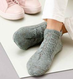Big Knit Blanket, Jumbo Yarn, Big Knits, Knit Pillow, Stockinette, Market Bag, Knitted Bags, Knitting Designs, Cool Patterns