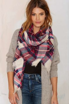 Plaid Scarf ==