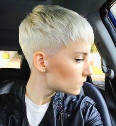 Favorite Pixie Hairstyles Ideas (221) #BlondeHairstylesIdeas