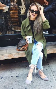 The Outfit // Crew Neck Sweater + Distressed Denim + Flowy Green Trench Coat + Steve Madden Lecrew Lace-up Flats. Photo: bangbangblond.com