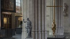 """Famous Belgian multidisciplinary artist Jan Fabre demonstrates once again the timelessness of his art: the bronze sculpture """"The Man who Bears the Cross"""" (2015) has officially become part of the Cathedral of Our Lady in Antwerp, facing —or even complementing— Flemish painter Peter Paul Rubens' masterpiece, """"The Descent from the Cross"""" (1611 - 1614), a monumental triptych crowning one of the cathedral's altars."""