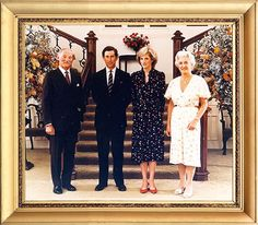 1983-04-07 Official photograph of Diana and Charles taken at Government House, Perth, with the Governor of Western Australia, Sir Richard Trowbridge, and his wife, Lady Anne Trowbridge
