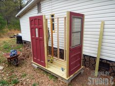 Part Two in a series on building a shed using old doors as the walls focuses on building the platform and the frame. Garden Shed Diy, Garden Tool Storage, Backyard Sheds, Shed Storage, Backyard Greenhouse, Garden Doors, Garden Art, Small Sheds, Build A Wall