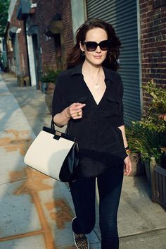 Out and about: Michelle Dockery was spotted out and about in New York City on Sunday... #storelatina #storelatinaperu #bolso #cosmeticos #perfumes #fragancias #relojes #relojmujer