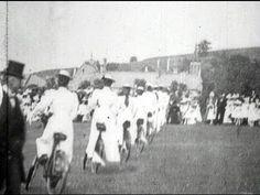 Women's synchronized cycling, 1899