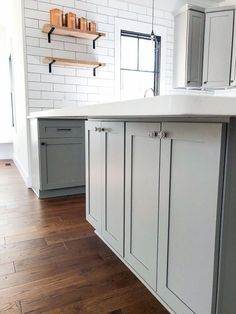 Saving Etta: Kitchen Update + Reveal Modern Farmhouse Kitchen with Sources! Farmhouse Kitchen Island, Diy Kitchen, Kitchen Decor, Kitchen Design, Kitchen Pantries, Kitchen Islands, Kitchen Ideas, Kitchen Cabinets, Modern Farmhouse Decor