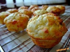 Muffins with cheese Baking Recipes, Snack Recipes, Dessert Recipes, Snacks, Pizza, Czech Recipes, Tasty, Yummy Food, Sweet And Salty