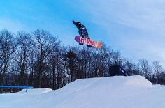 Feeling up now that I'm back up at @montagemtnpa with their guys and @getraddaily with @gilsonboards 📷:@getraddaily #Gilson #montage #snowboarding #park #sunny #winter #happy #taketheboldline