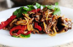 Beef and Pepper Noodles from The Pioneer Woman and 9 other simple stir-fry's. 3.7/5