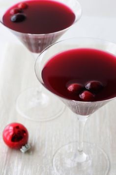Amaretto cranberry kiss. The perfect Christmas cocktail.