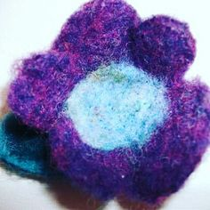 Perfect gift Nów ony 10 e Mother Day Gifts, Hair Pins, Handmade Items, Brooch, Flowers, Felting, Crafts, Etsy, Rainbow