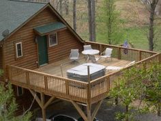 600+ sq ft Upper Deck w/ Hot Tub lounger & neck massager! Dbl Carport!