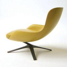 Après une bonne journée de peinture dans mon loft, je ferai bien une petite pause dans ce superbe fauteuil signé Charles W