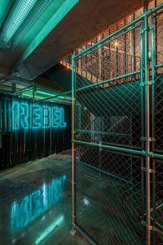 Studio matches fitness experience with nightclub design and creates dark and moody interiors for underground gym in London. Fitness Design, Gym Design, Design Set, Stage Design, Basement Gym, Garage Gym, Led Neon, Luxury Gym, Underground Club