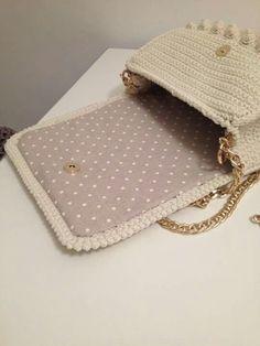 Crochet Clutch Bags, Crochet Backpack, Crochet Handbags, Crochet Purses, Crochet Art, Crochet Patterns, Crochet Diagram, Beaded Purses, Kids Bags