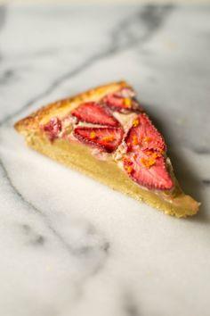 butter and brioche | Strawberry and Brown Sugar Brioche Tart | http://www.butterandbrioche.com