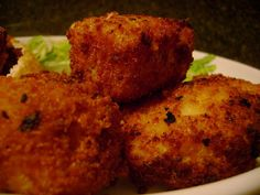 Fried Mac & Cheese Nuggets.  If the miracle ever happens & we have left over mac & cheese, I will have to try this.