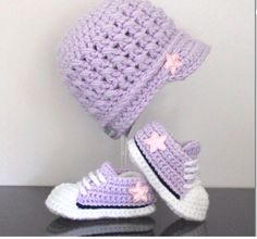 Purple converse and hat