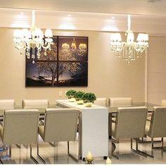 Requinte e sofisticação nessa sala de jantar...cores.. produção ... Iluminação Perfeito!! By @germanagoncalves_interiores #arquiteta #archlovers #arquitetura #ambientes #decore #arquiteturadeinteriores #homedecor #homestyle #home #homedesign #style #interiores #instahome #saladejantar #detalhes #instadesign #design #interiordesign #luxury #iluminação #details #lustredecristal #clean #decoreseuestilo #desingdecor #decorando #decoraçãodeinteriores #decorazione #decore #decordesign #decoration