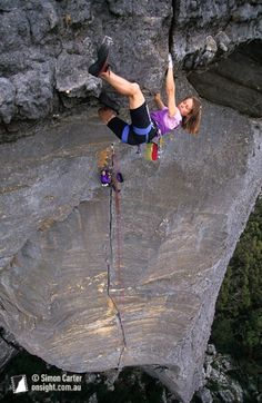 Jill McLeod on the six-metre roof crack on Passport to Insanity (27), The Fortress, The Grampians, Victoria, Australia. Photo by Simon Carter.