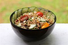 Share This Fresh and Festive Grain Salad with Family and Friends #client #IBS #FODMAP #lowfodmap