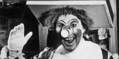 The Original Ronald McDonald WIll Give You Nightmares.  THANK GOODNESS this was before my time.  SCARY indeed!  No wonder so many have a fear of clowns!